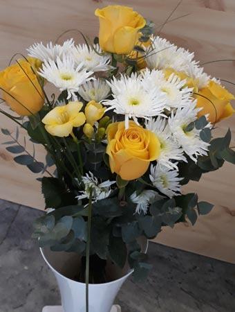 Kvety Darinka - kytica - žlté ruže